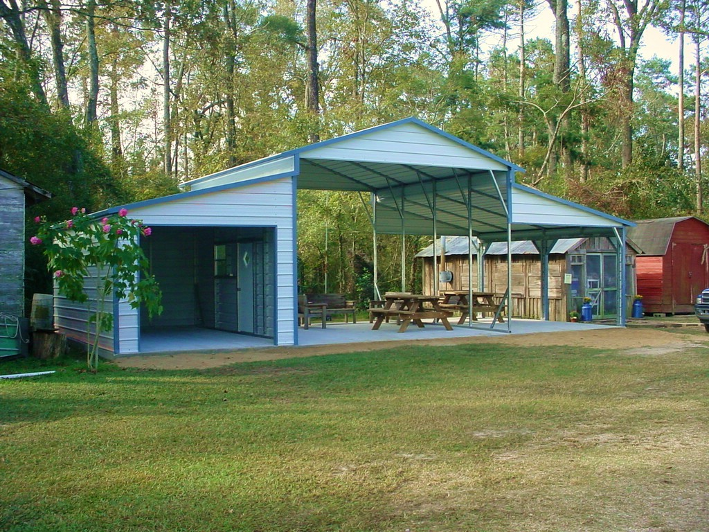 Metal Boxed Eave Horse Barn with lean-to and enclosed side
