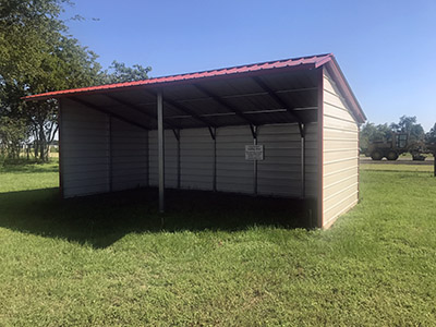 Metal Loafing Barn 12 x 25 x 10 x 7