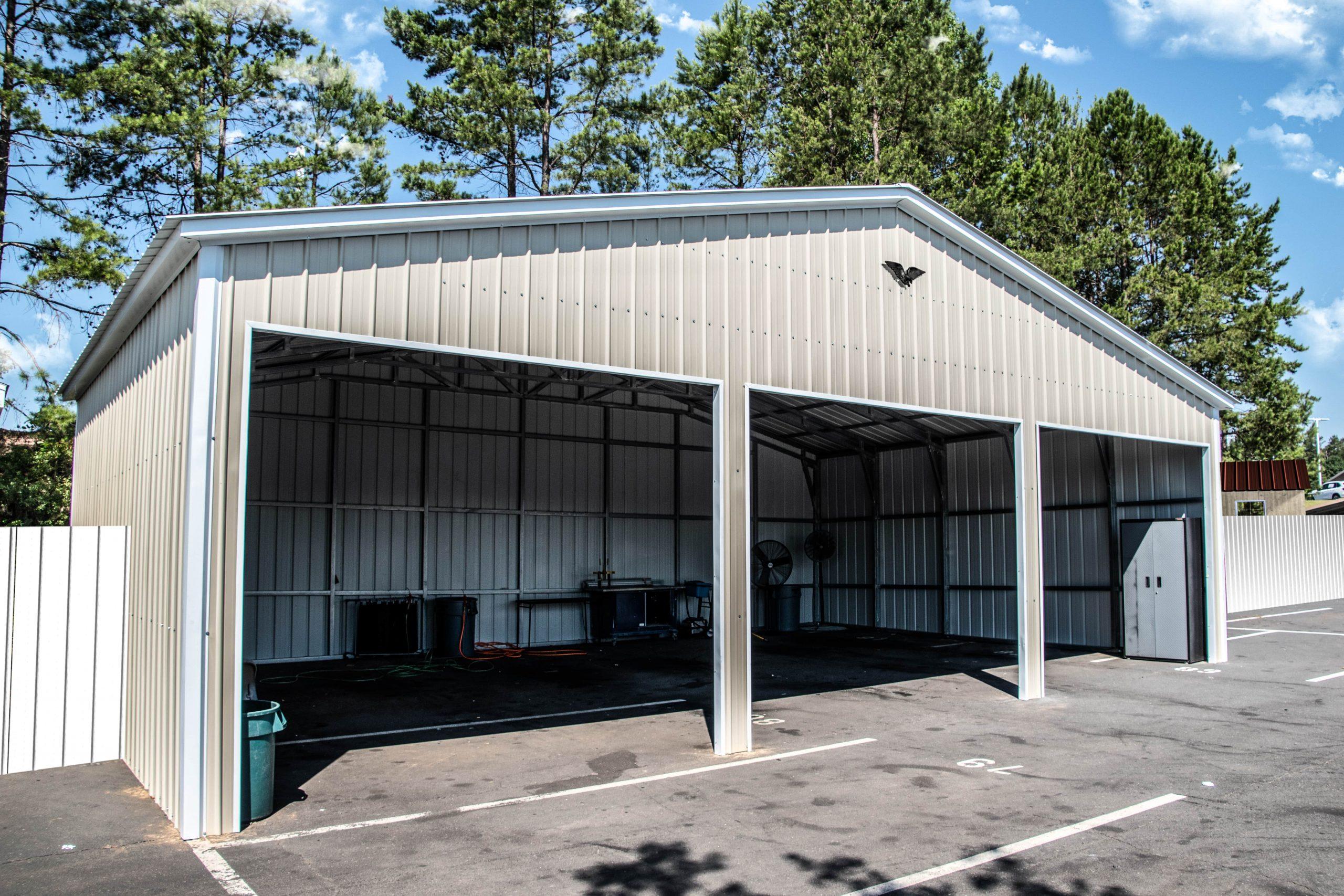 Metal Commercial Enclosed Shop 30 x 41 x 13